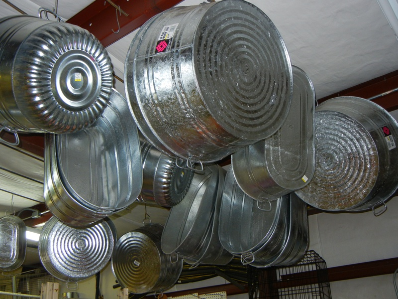 Galvanized tubs (round and oval)